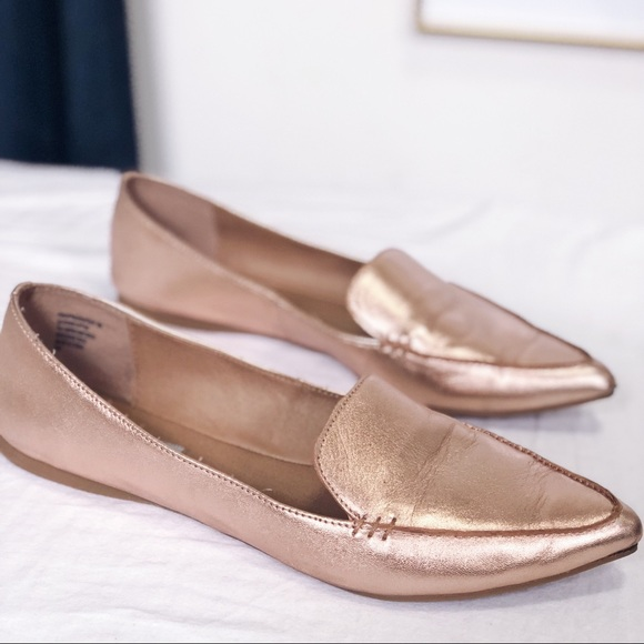 11a4fd325b4 Steve Madden rose gold loafers gently used